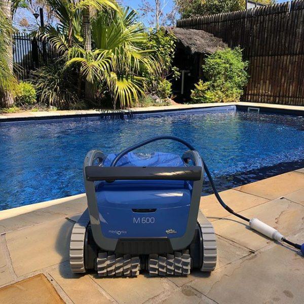 Робот за басейни DOLPHIN M600 за до 15 м